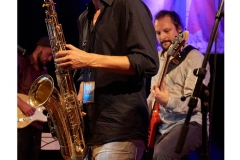 Lasse_Golz-Jonathan_Ihlenfeld-NuHusselOrchestra-JazzDorf_Wollerstorf_2018